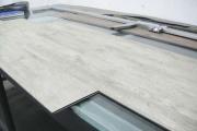 Модный строительный материал - самоклеющаяся плитка пвх для пола