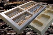 Полиуретановые формы: почему их предпочитают производители искусственного камня?
