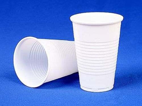Унитаз в частном доОбезьяна из пластиковых стаканчиков