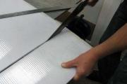 Как и чем резать сотовый и монолитный поликарбонат?